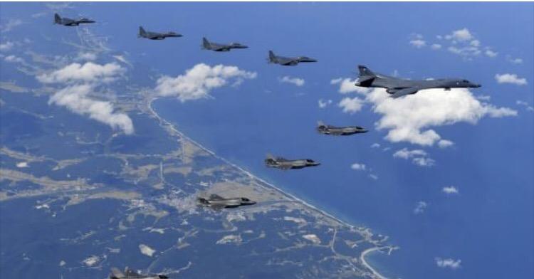 ‼️Se întâmpla ACUM: Bombardiere şi avioane de vânătoare americane în largul coastei de est a Coreei de Nord, într-o manifestare de forţă a Pentagonului