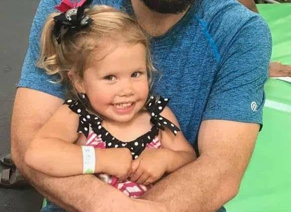 """Fată creștină în vârstă de 3 ani care la iubit pe Dumnezeu """"cu toată inima"""" sa înecat în groapa de grăsime din magazinul de înghețată"""