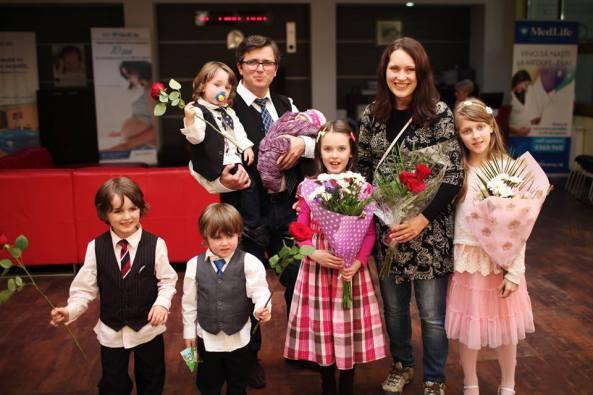 """Familia Bodnariu, stabilită în România după coșmarul Barnevernet, a fost binecuvântată cu al șaselea copil. Marius Bodnariu: """"Nu ne mai întoarcem în Norvegia niciodată"""""""