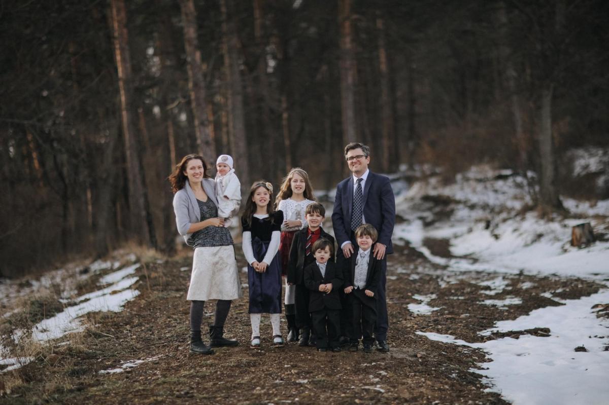 FOTO. Familia Bodnariu, mesaj de recunoștință, la doi ani de la întoarcerea copiilor în sânul familiei