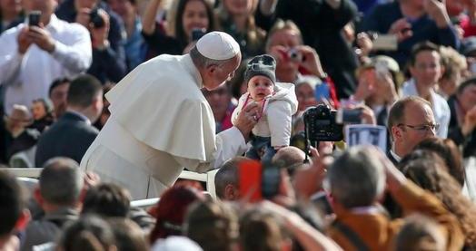 Papa Francisc a spus clar: Cuplurile homosexuale NU pot fi considerate familii