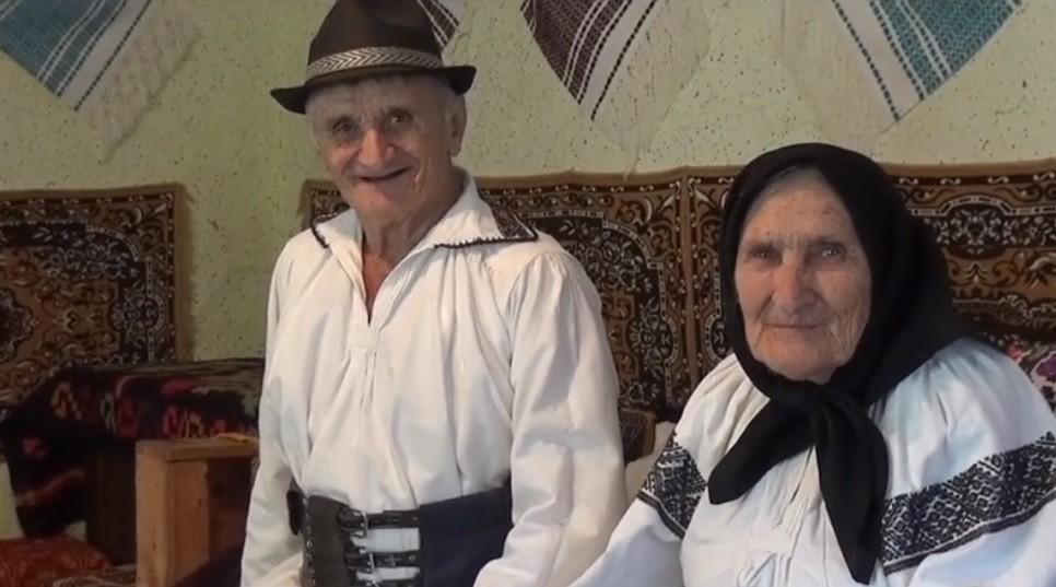 Doi soţi din Bistriţa-Năsăud au 11 copii și 224 de nepoţi și strănepoţi. Cel mai mare are 69 de ani!