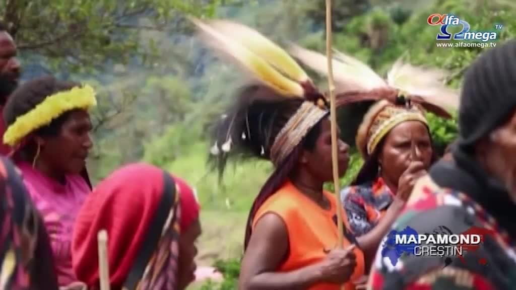 Bucurie: Biblia tradusa în limba tribului Hupla