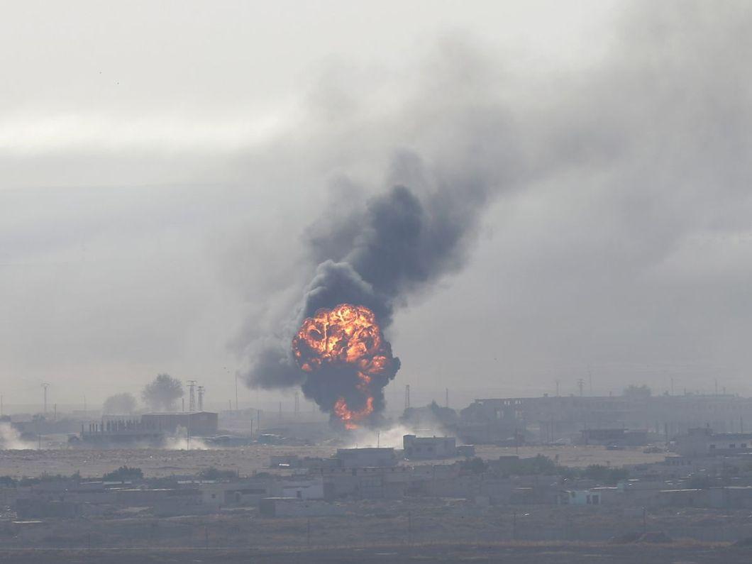 Aviaţia turcă bombardează Siria, stârnind panică în rândul creştinilor din zonă