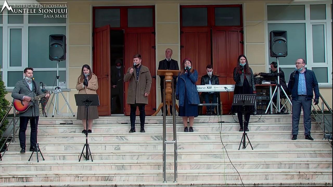 Grup din Biserica Muntele Sionului Baia Mare: Dintre tot ce lumea are de oferit