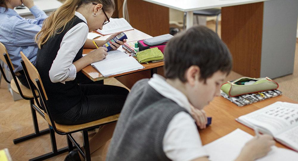 """Costel Stanciu, Președintele Asociației Pro-Consumatori: """"Copiii acestei țări nu au nevoie de educație sexuală"""""""